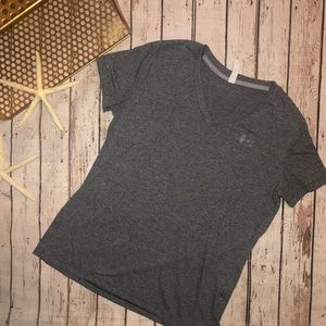 Under Armour V-Neck Loose Fit Heat Gear T-Shirt